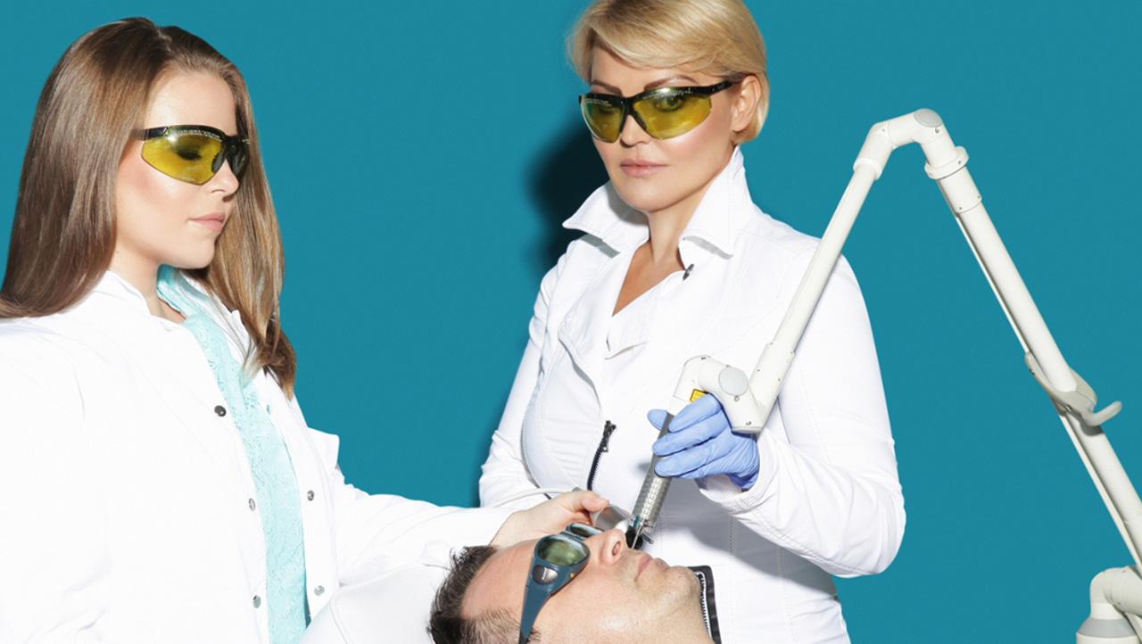 lasersko-podmladjivanje-lica-i-vrata-4d-combo-laserom-poliklinika-diva (1)